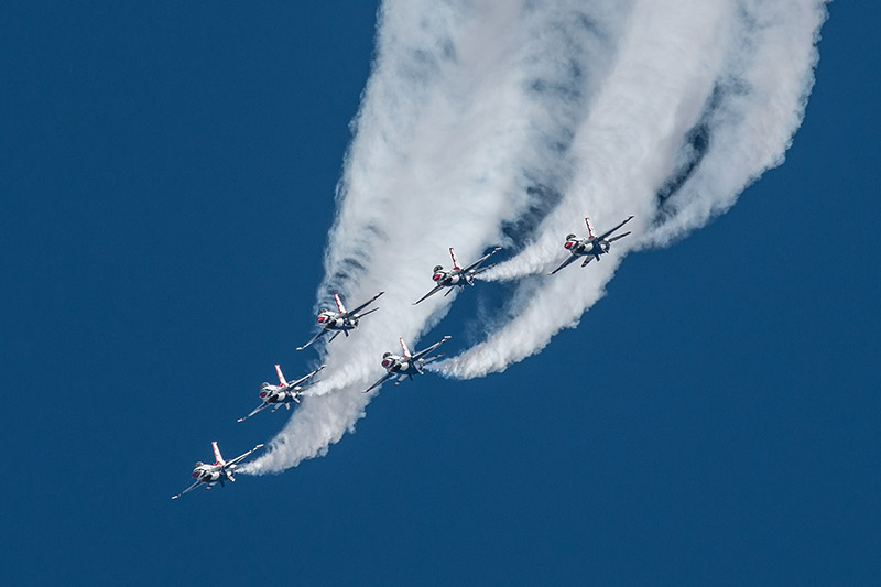The U.S.A.F. Thunderbirds perform the delta roll during theWest Star Aviation Airshow in Grand Junction, October 2015.